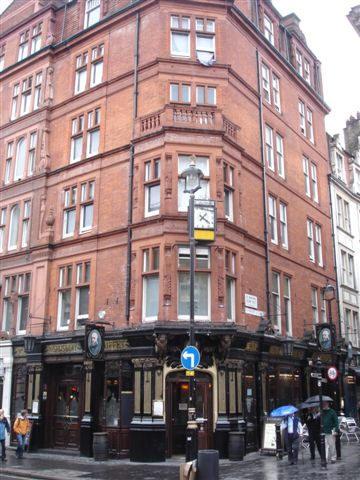 Salisbury Stores 90 St Martins Lane WC2
